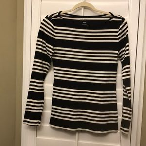 Cute black and white long sleeve shirt